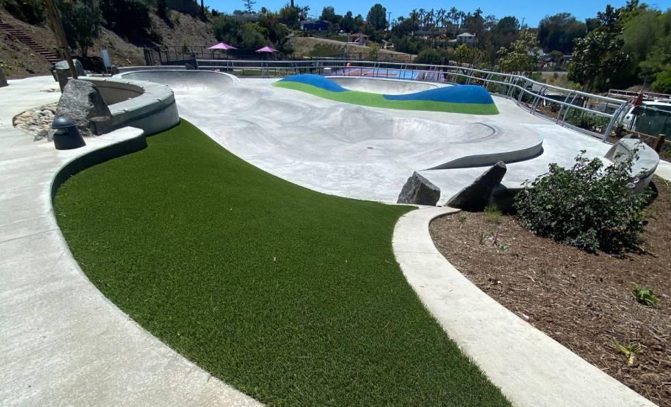 Skate bowl at olympus park